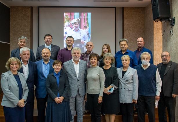 Поздравляем Игоря Анатольевича с трудовым юбилеем – 40 лет!